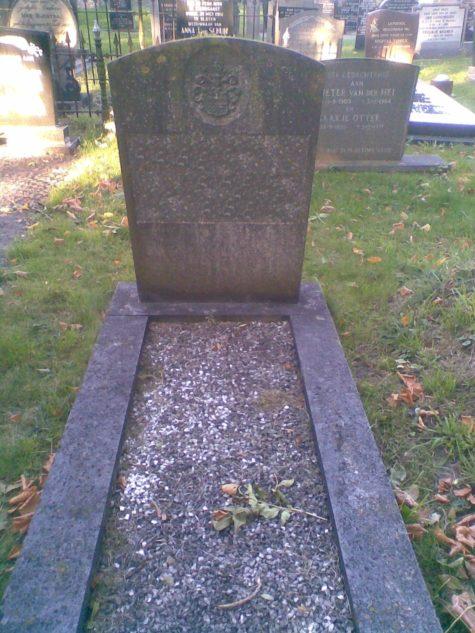 Grafsteen opknappen voor