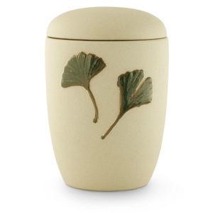 keramische urn zandkleurig met ginkgo blad (24)